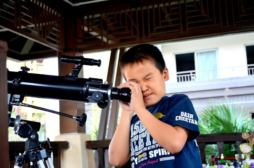 Astronomical Telescope: Expert Guidelines In Buying